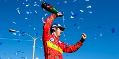 Di Grassi charges to Long Beach victory