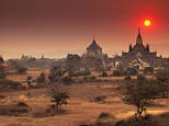 C9D1TR Sunset view of temples at Bagan