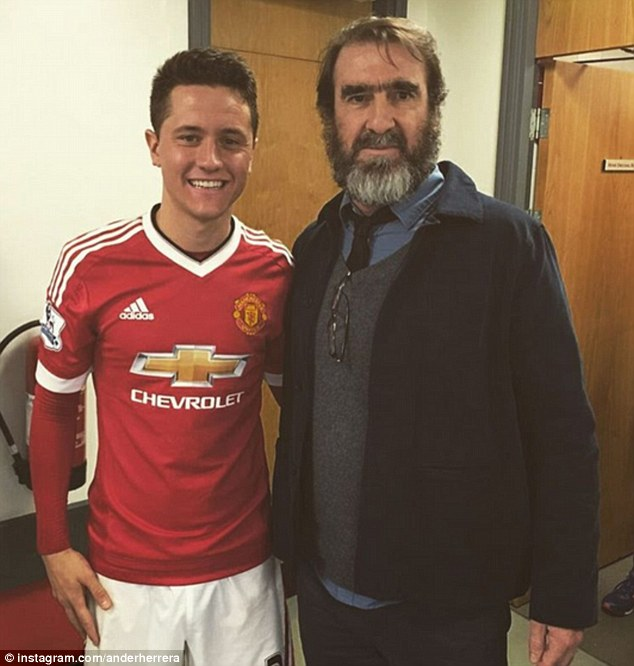 Ander Herrera was one of a number of players keen to have a picture with Cantona