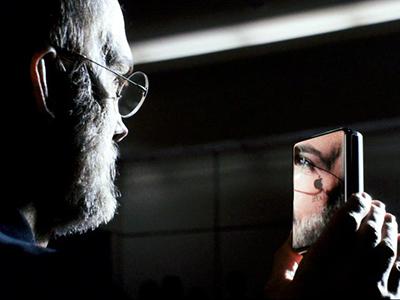 Эштон Кутчер весьма реалистично исполнил роль Стива Джобса в фильме «Джобс: Империя соблазна»