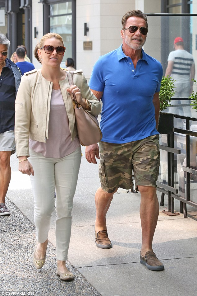 Shop til you drop!Arnold Schwarzenegger had a shopping date with his girlfriend Heather Milligan in Vancouver on Saturday