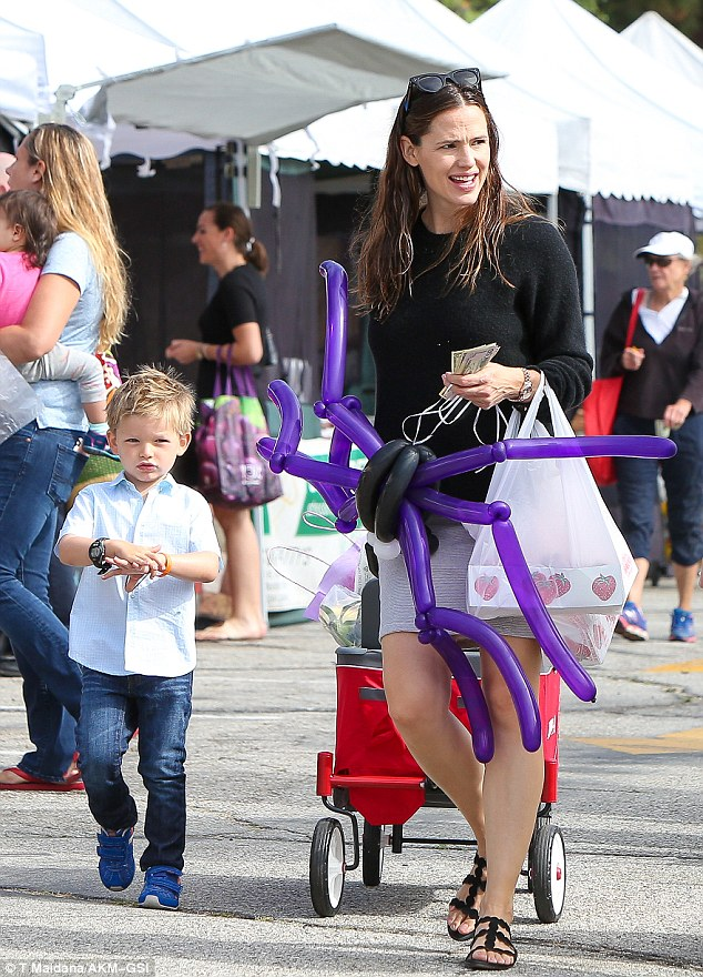 Quality time! Jennifer Garner headed on over to the farmers' market in Santa Monica with her son Samuel on Sunday