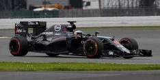 Alonso fastest on first test day before rain