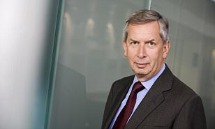 Maverick fund star Terry Smith attracts £1bn from savers in 3 months