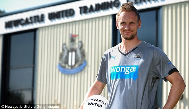 Firepower: De Jong offers more options in attacking positions for Alan Pardew's side