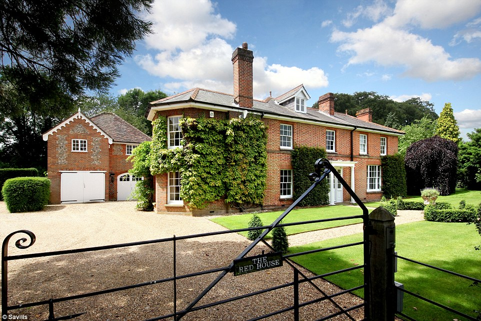 Mary Berry's former home, a palatial six-bedroom mansion in Buckinghamshire, has come on the market for a cool £3million