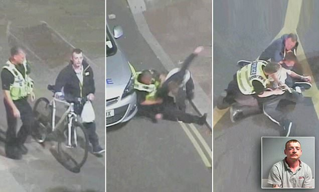 Video of York police helping passerby wrestle knifeman to the ground