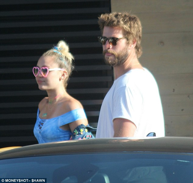 Daytime date: The Wrecking Ball hit-maker enjoyed dinner with her on/off 'fiancé' at hotspot Nobu