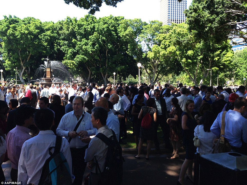 Thousands of office workers relocated from Martin Place to Sydney's Hyde Park