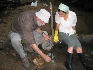 William McGrew and Cambridge undergraduate cleaning recovered monkey bones in Semliki Reserve, Uganda