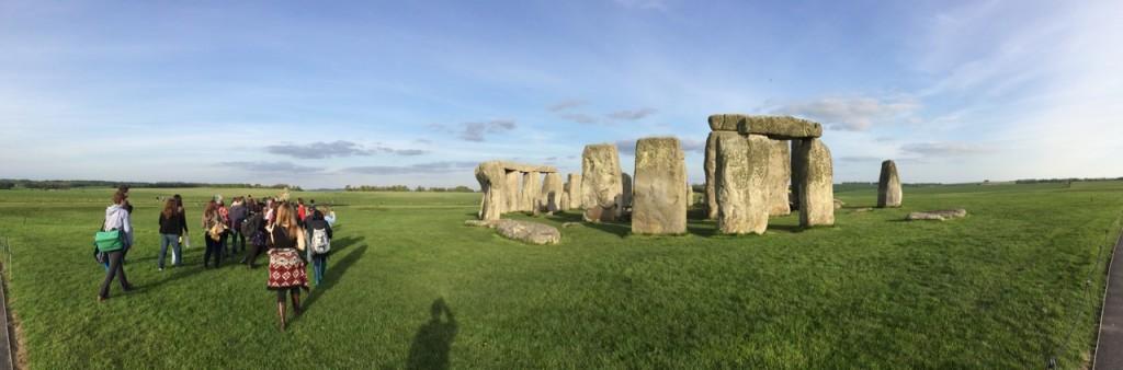 Student field trip to Stonehenge