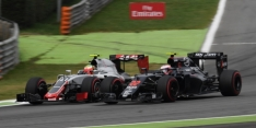 Button's race damaged by 'terrible' first lap