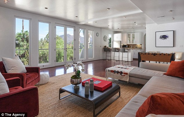 Take a gander: Picture frame windows give those inside a thorough look at the area
