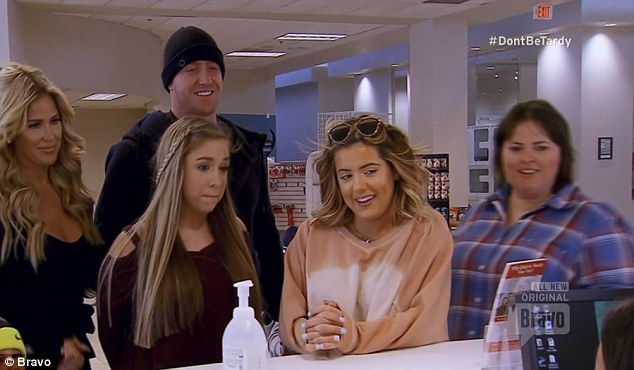 Family visit: On this week's Don't Be Tardy she went to the animal rescue centre with Kroy, Ariana, Brielle and Tracey