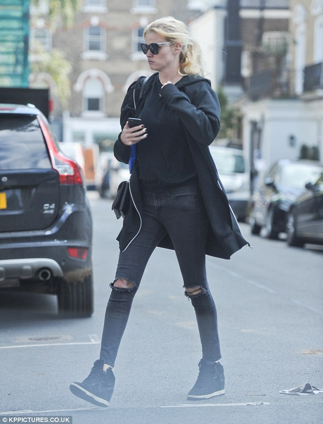 Post Paris Fashion Week outing: Lara Stone was back to her usual laid-back self upon her return to the UK, cutting a casual figure as she ventured out in London on Tuesday