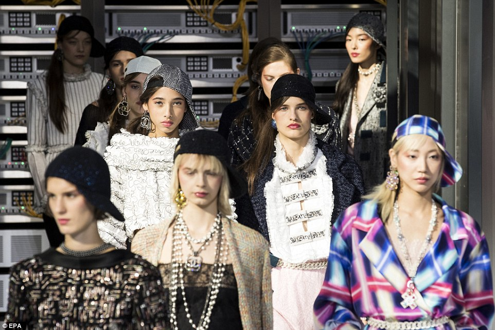 'Chanel's SS17 show proves how technology and fashion have become increasingly intertwined,' said a HTC expert