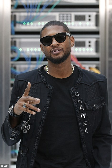 Pop star Usher looked cool in a black Chanel jacket