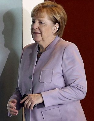 Angela Merkel will ban EU migrants from claiming unemployment benefits for 5 years