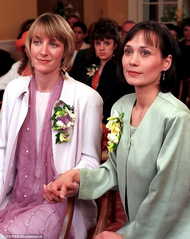 Rachel Ambler as Emma Nightingale and Leah Bracknell as Zoe Tate in Emmerdale