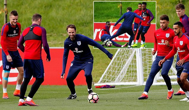 England squad give their new boss the run around ahead of Malta World Cup qualifier