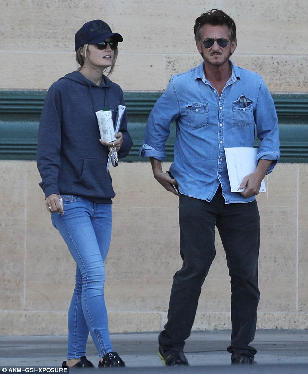 On the move: The Oscar winner and the Australian-born actress looked relaxed in eachother's company as they strolled to the museum together