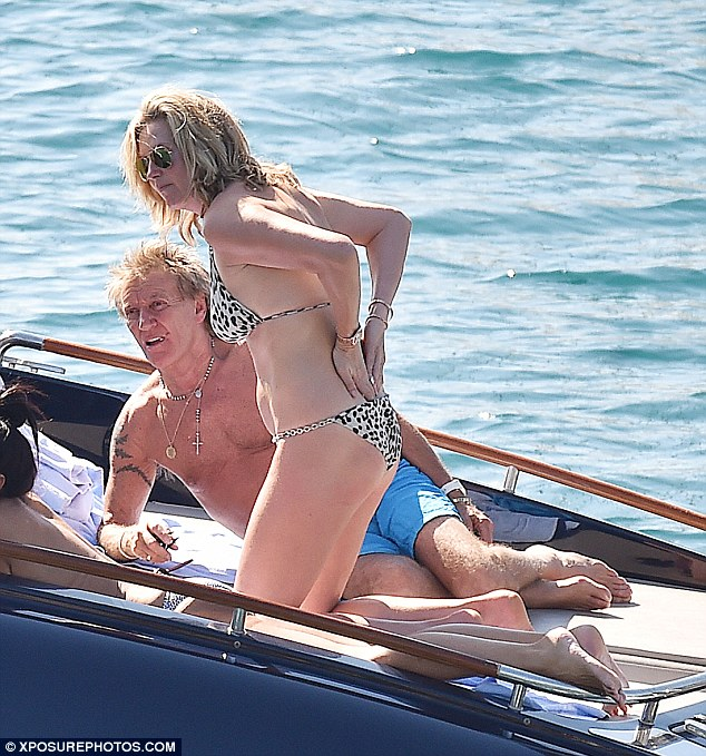 Making waves!The 71-year-old veteran rocker and his 45-year-old model wife spent a day soaking up the sun on a boat