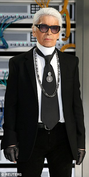 As Karl Lagerfeld put it yesterday: ¿You cannot display your wealth and then be surprised some people want to share it.¿ A Paris police spokesman said the same