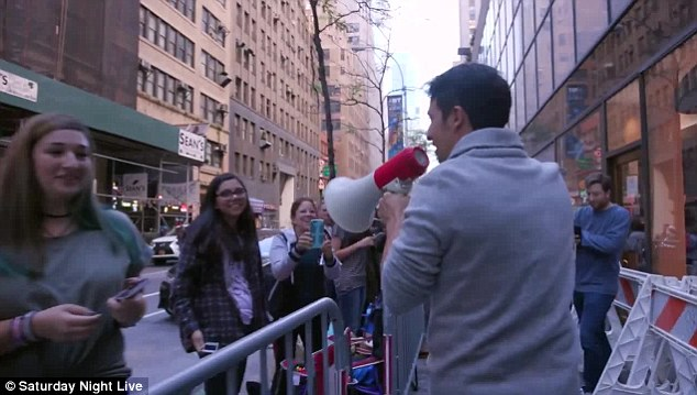 Can't believe their eyes!Fans waiting in line immediately sprang to their feet at the sight of the Tony-award winner