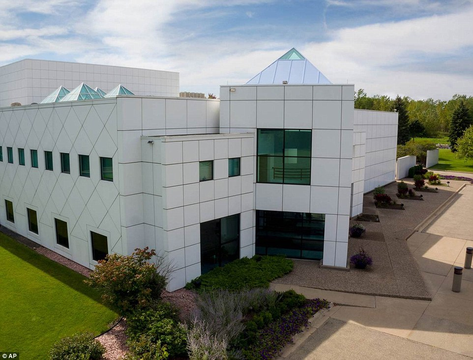 Getaway: Music fans around the world and Minnesota residents have long wondered about Paisley Park, the late pop icon Prince's mysterious studio complex to which few have had full access