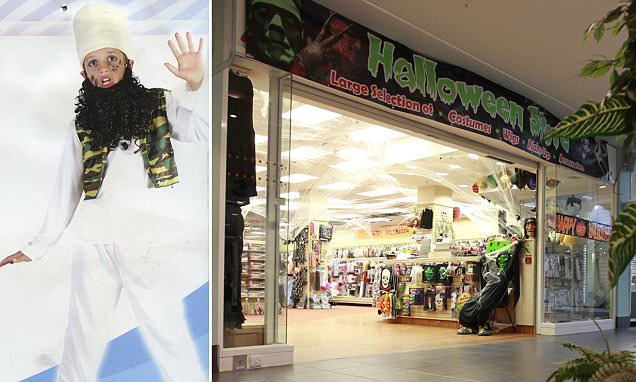 Shop selling 'child terrorist' Hallowe'en costume remove outfit from shelves