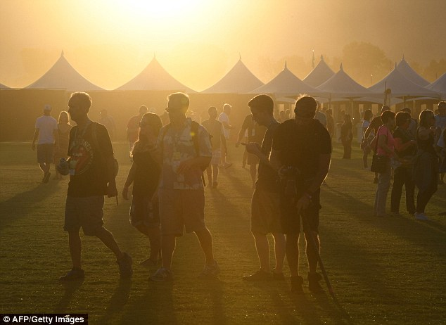 Setting sun on an era: Music fans arrive for the Desert Trip music festival at Indio, California on October 7, 2016