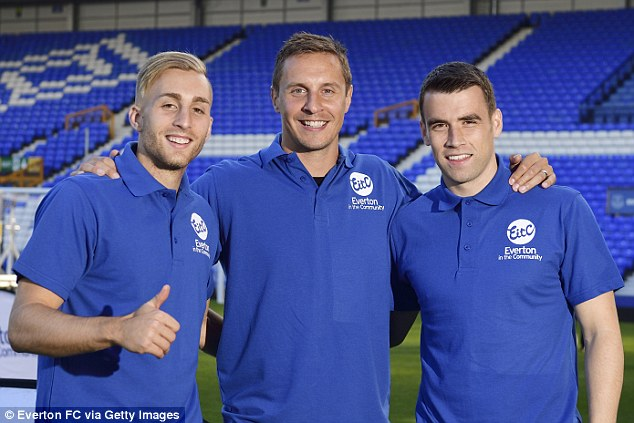 (Left to right)Gerard Deulofeu, Phil Jagielka and Coleman take part in the community event