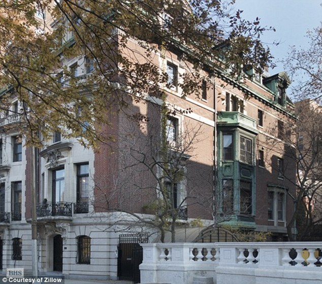 Amy recently inspectly this town home, built in 1900 for a silk merchant and has had just three owners since then