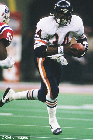 Walter Payton runs the ball for the Chicago Bears