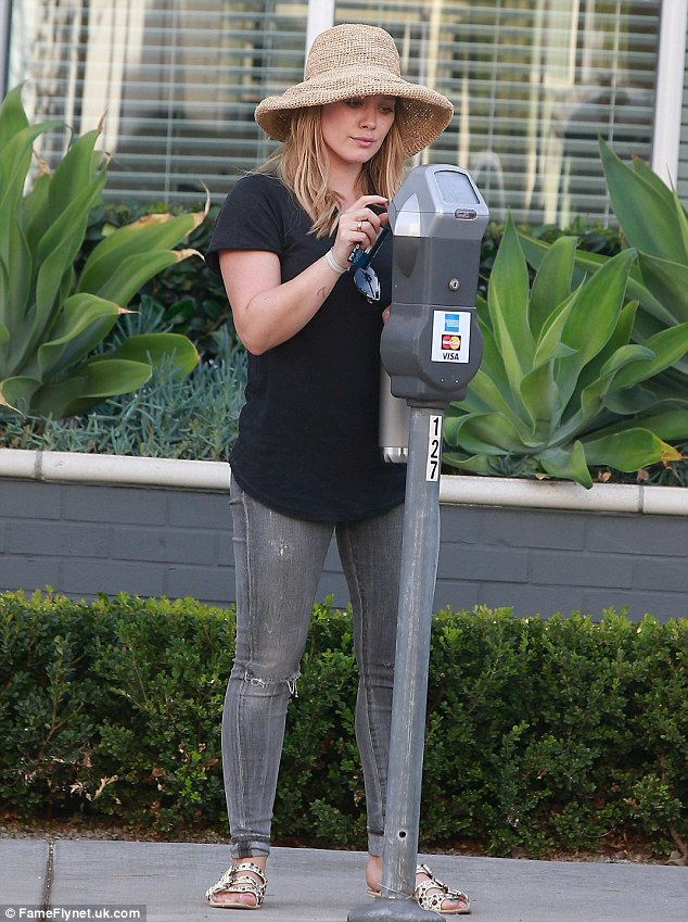 Careful: She made sure that the parking meter was fed on the outing
