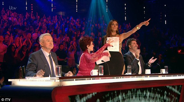 Not her best performance: Sharon seemed to be unprepared during the live show