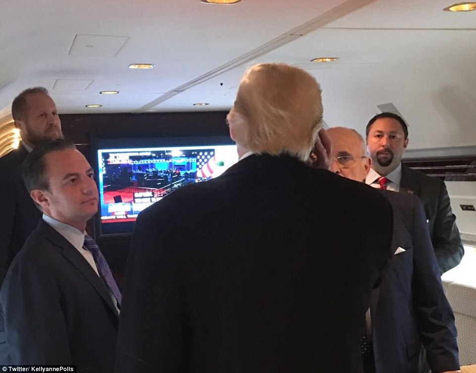 As the Republican nominee made his way to Washington University where the debate is to be held, he abandoned his press pool