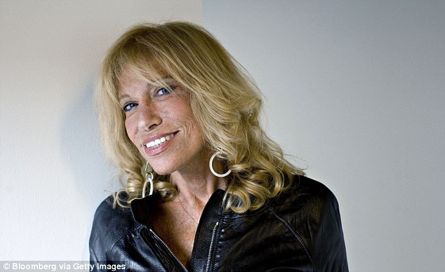 Carly Simon has reworked her iconic song You're So Vain for an anti-Trump campaign commercial