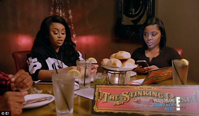 Dinner talk: Chyna talked to her friends while having dinner at The Stinking Rose restaurant
