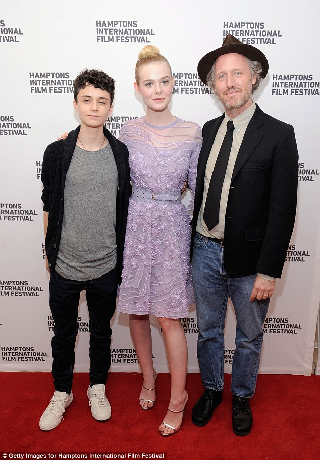 Taking five! The stars enjoyed their red carpet outing alongside 20th Century Women director Mike Mills