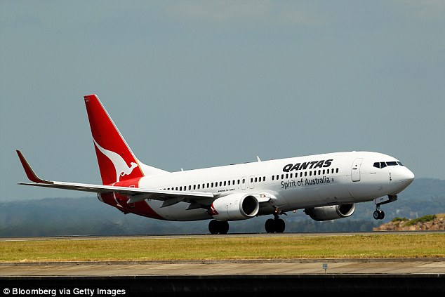 A Qantas flight was forced to turn back to Darwin during a flight to Brisbane last week, after it descended 30,000 feet mid-flight