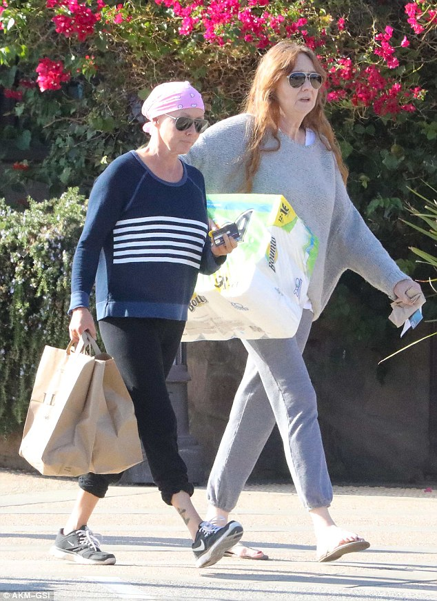 Helping hand: Shannen Doherty had her mother's help while stocking up on groceries and household supplies at Pavilions supermarket in Malibu on Tuesday