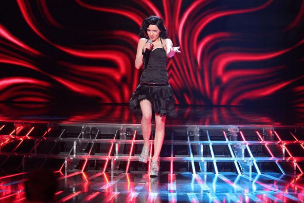"""Ewelina Lisowska na planie programu """"X Factor"""" - fot. Paweł Wrzecion"""