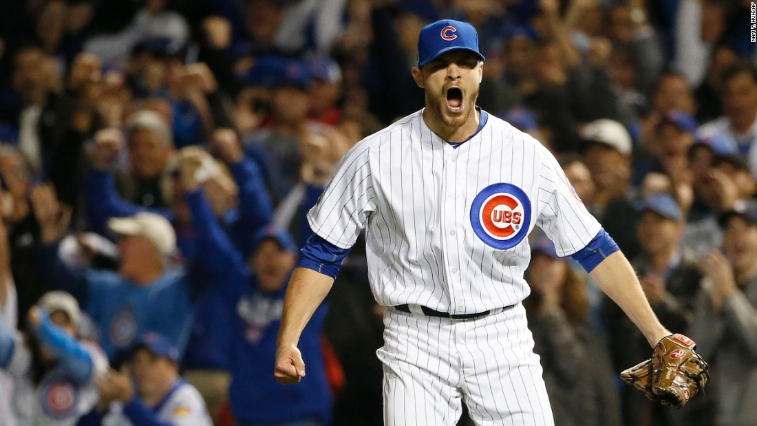 Justin Grimm of the Cubs reacts after a double play during the fifth inning in Game 3.