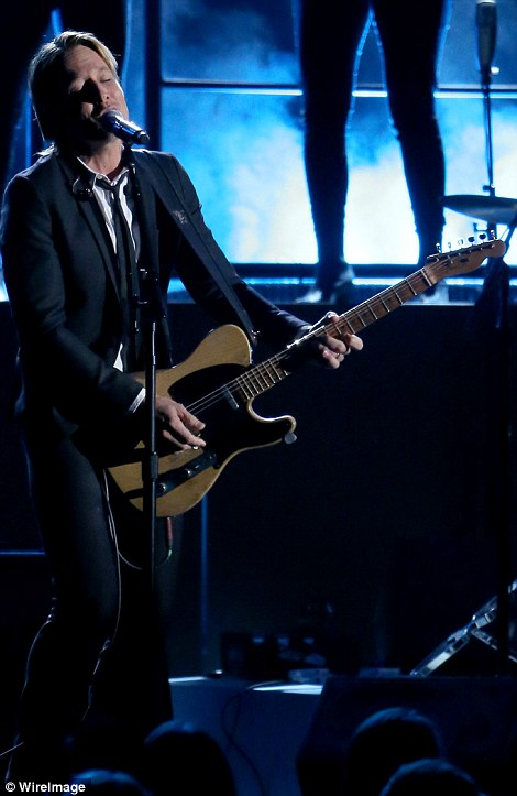 Doing what he does best: Keith Urban was another performer