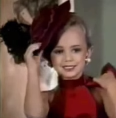 [Image: jonbenet-ramsey-pageant-star.png?w=388&h=395]