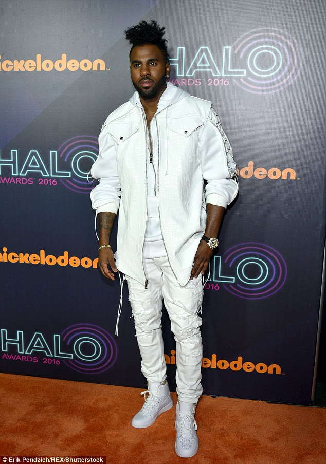 Wonder in white: Jason Derulo sported all white for the occassion