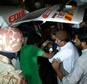Volunteers move an injured blast victim from an ambulance at a hospital in the Hub district, some 40 kilometers from Karachi, on November 12, 2016 �Asif Hassan (AFP)