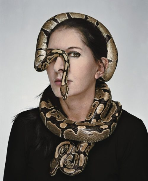 This picture accompagnied an article about Marina in The New Yorker. A serpent hiding one eye: The perfect way to represent being a pawn of the occult elite.
