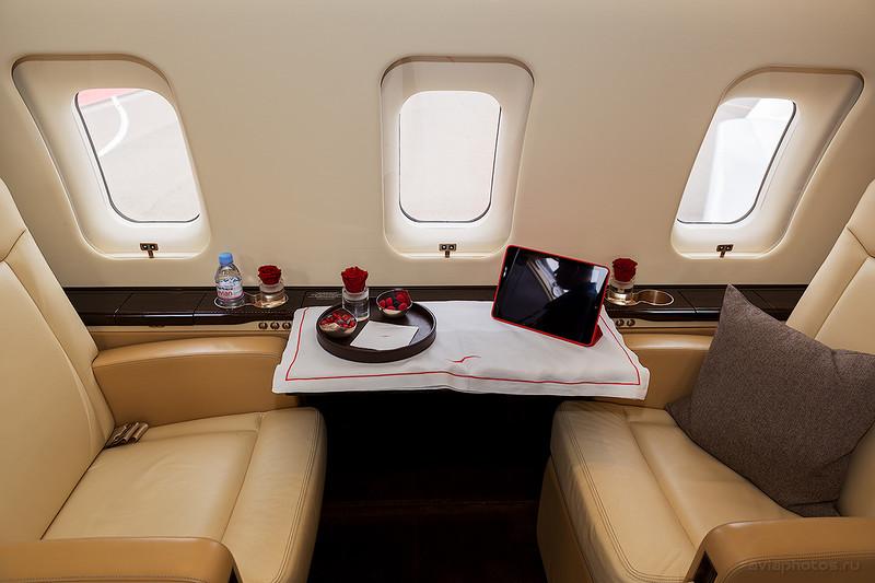 Bombardier CL-600-2B16 Challenger 605 (9H-VFJ) VistaJet D807668